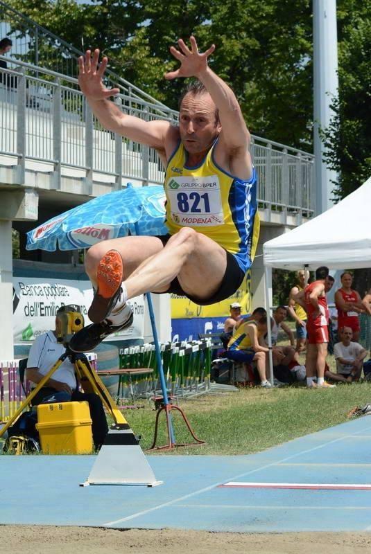 Tricolori Master di Ancona: Tanti buoni risultati con un record mondiale di Gianni Becatti nel lungo