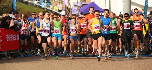 Inghilterra: l'addetto va in bagno in 300 sbagliano strada durante una maratona