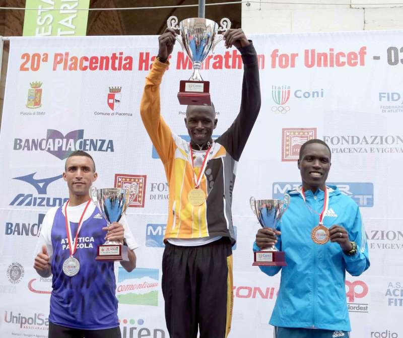 Piacenza Half Marathon, dominio keniano da record