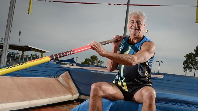 In Australia saltatore con l'asta 73enne salta 3 metri e 30