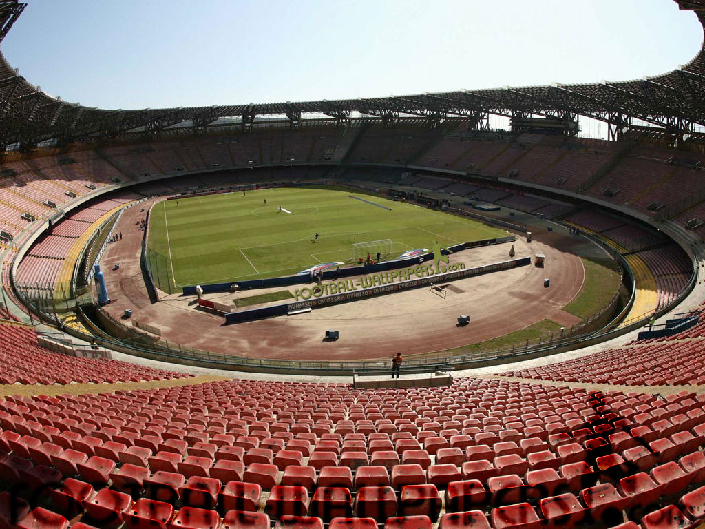 Lo Stadio San Paolo di Napoli rimuove la pista di atletica!