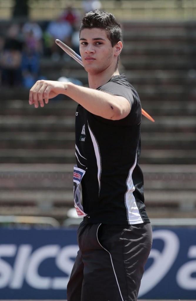 Comini ad Ascoli lancia  a 9 centimetri dal record italiano