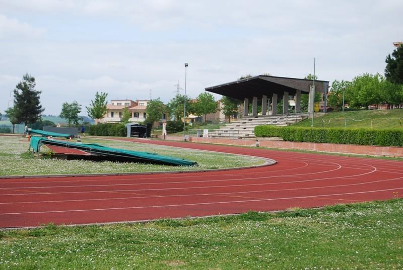 Ad Osimo(AN) ladri rubano merendine al campo di atletica