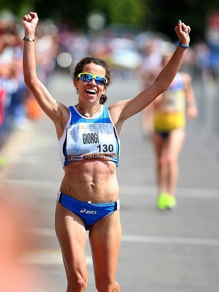 Eleonora Giorgi vince la Walk&Middle Distance Night di Milano sui 5 km