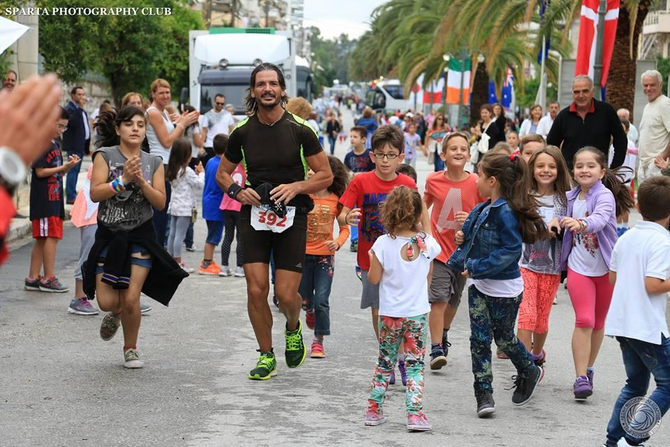 In occasione della gara di 24 ore a Reggio Emilia, Nico Leonelli percorre 240 km  -di Matteo SIMONE