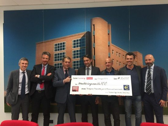 Santander Mezza Maratona Città di Torino 2016 - Donati 35.000 € alla Fondazione Piemontese per la Ricerca sul Cancro
