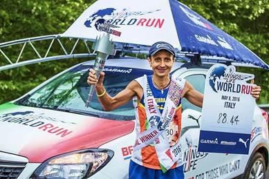 GIORGIO CALCATERRA CAMPIONE MONDIALE DELLA WINGS FOR LIFE WORLD RUN 2016 CONQUISTA LA VITTORIA CON IL RECORD DI 88,44 Km