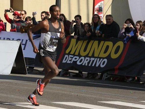 Gli etiopi Dino Sefir e Koren Jelela vincono la Maratona di Ottawa in Canada-IL VIDEO