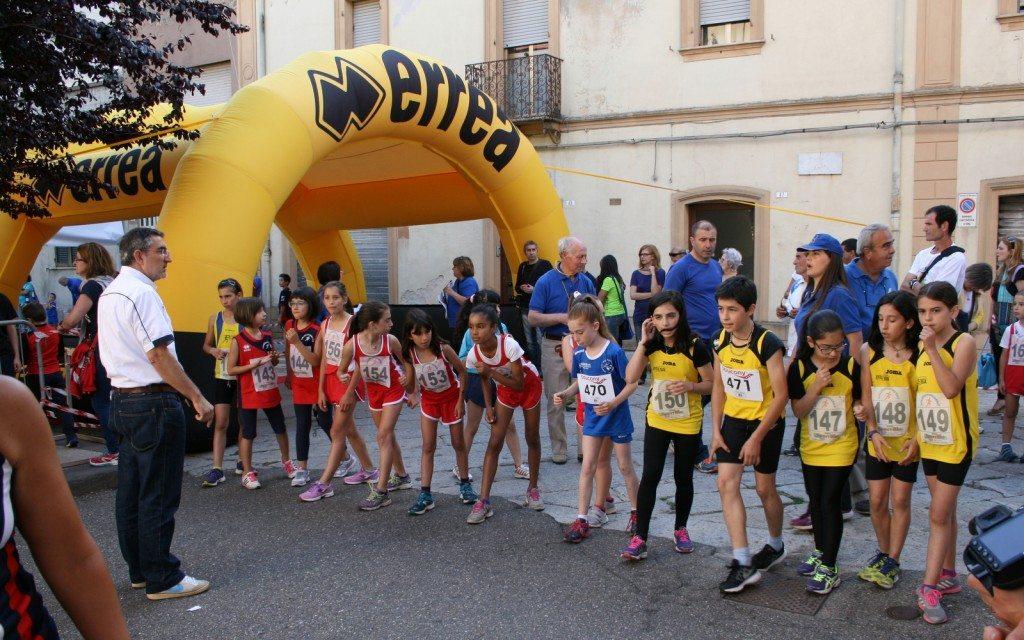 """Al via la """"Macomer corre"""", grande partecipazione di atleti da tutta la Sardegna"""