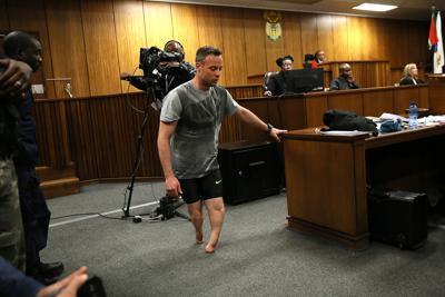 Caso Pistorius, si spoglia in aula e rimane senza protesi: sentenza il 6 luglio