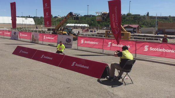 Nato senza braccia e gambe completa la Maratona di Calgary e realizza il suo sogno.