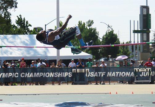 Campionati USA giovanili: Record nazionali nell'alto, 2 metri a 13 anni
