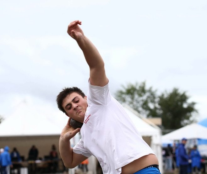 Carmelo Musci eguaglia il record italiano nel getto del peso cadetti con m.19,39