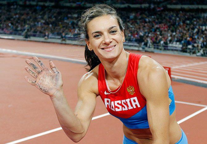 Yelena Isinbayeva allena i soldati in Siria  e Putin farà i Giochi per conto suo