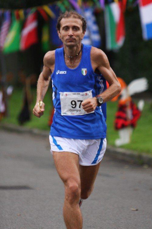 GiorgioCalcaterra conquista un ottimo 6° posto ai  Campionati Mondiali della 100 km