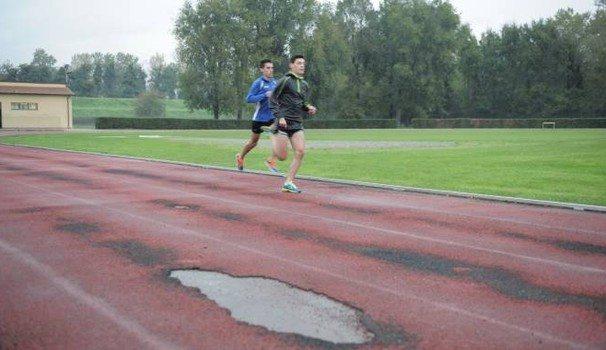 Problema impianti atletica: La pista di Lucca cade a pezzi