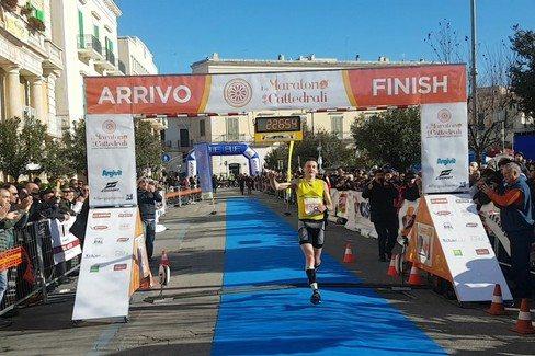 Risultati Maratona delle Cattedrali: A Barletta trionfa il 43enne Massimo Leonardi