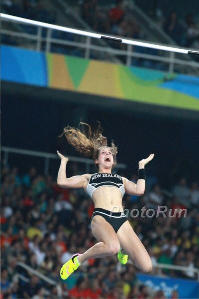 Eliza McCartney nell'asta sale a m.4,82, record dell' Oceania