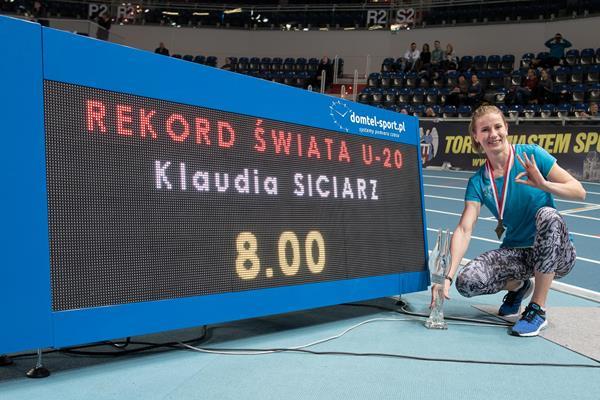 Record del mondo nei 60 ostacoli Under 20 della polacca Klaudia Siciarz