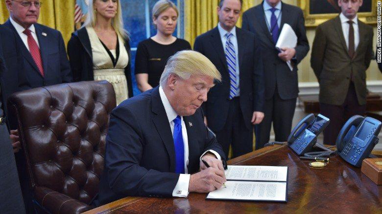 """Donald Trump in """"Soccorso"""" dei lanciatori, il martello deve tornare nella Diamond league"""