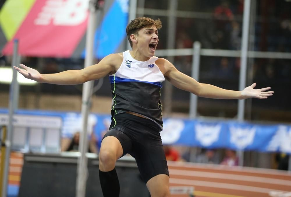 Armand Duplantis record del mondo Under 20 nell'asta-IL VIDEO