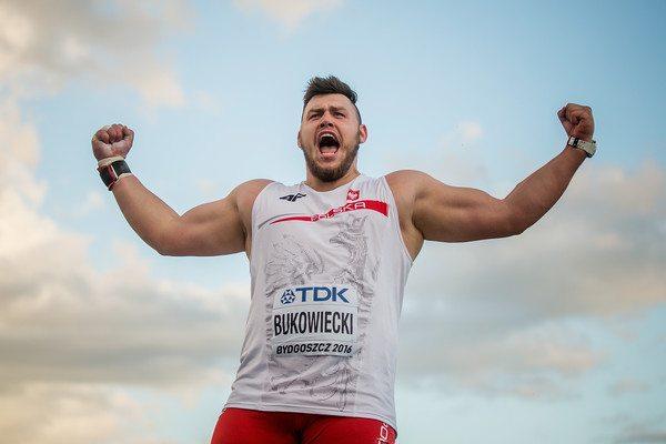 Konrad Bukowiecki nel peso spara vicino ai 22 metri a Belgrado