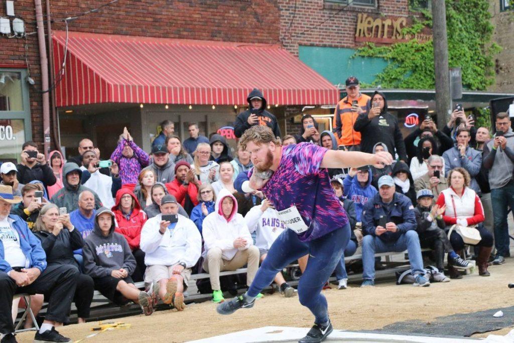 Ryan Crouser bordata oltre i 22 metri nel peso