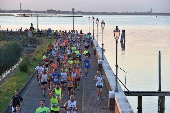 La 7^ Moonlight Half Marathon ha acceso il sabato sera di Cavallino Treporti e Jesolo