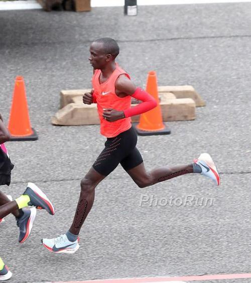 """Breaking2, Eliud Kipchoge pronto per un nuovo tentativo del """"meno 2 ore"""" nella maratona"""