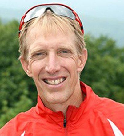 Steve Spence a 55 anni corre ogni anno il miglio sotto i 5 minuti da 42 anni consecutivamente