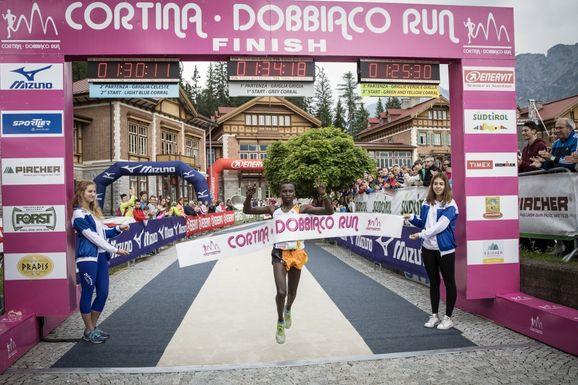 Risultati Cortina-Dobbiaco-Run: il Kenya domina la corsa, Crippa sesto e Catherine Bertone ottima terza.