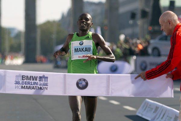 Patrick Makau vuole riprendersi  il record mondiale nella Maratona di Berlino