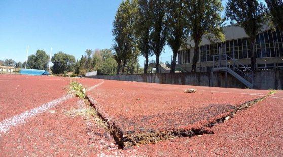 Problema impianti atletica: la pista di Lucca è sempre più degradata