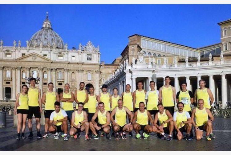 Alla corsa dei Santi di mercoledi anche i maratoneti del Papa