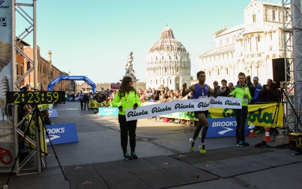 Risultati Pisa Half Marathon, vittorie di  Paul Tiongik e Celine Iranzi