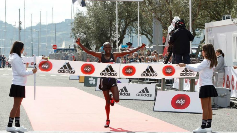 Risultati Valencia Marathon, vince Sammy Kitwara con il record della corsa di 2:05:14