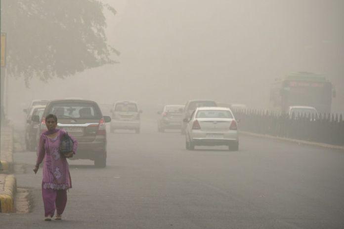 A rischio cancellazione la mezza maratona di Nuova Delhi per troppo inquinamento