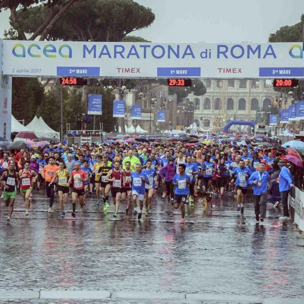 """Polemiche Maratona di Roma, il Comune mette """"a bando"""" la gara"""