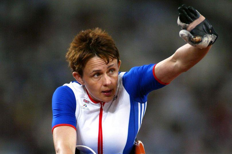 """Campionessa paralimpica lasciata a terra perchè non c'era """"spazio per lei"""" sul treno"""