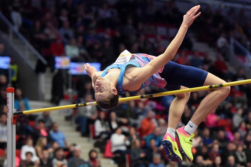 Danil Lysenko vola ancora alto, 2,35 a Trinec