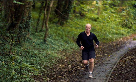 Runner a 75 anni corre 75 maratone in 75 giorni