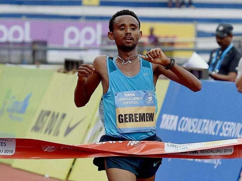 Dubai Marathon da record! Sette uomini sotto le 2:05, quattro donne sotto le 2:20