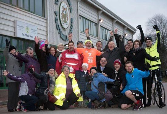 Runner finisce in ospedale per esaurimento mentre tenta di correre sette mezze maratone in 24 ore
