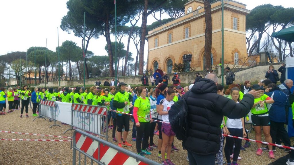 ONLY WOMEN'S:  1000 DONNE A CAPANNELLE A ROMA