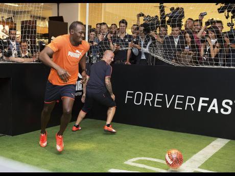 Usain Bolt torna ad allenarsi...per il calcio