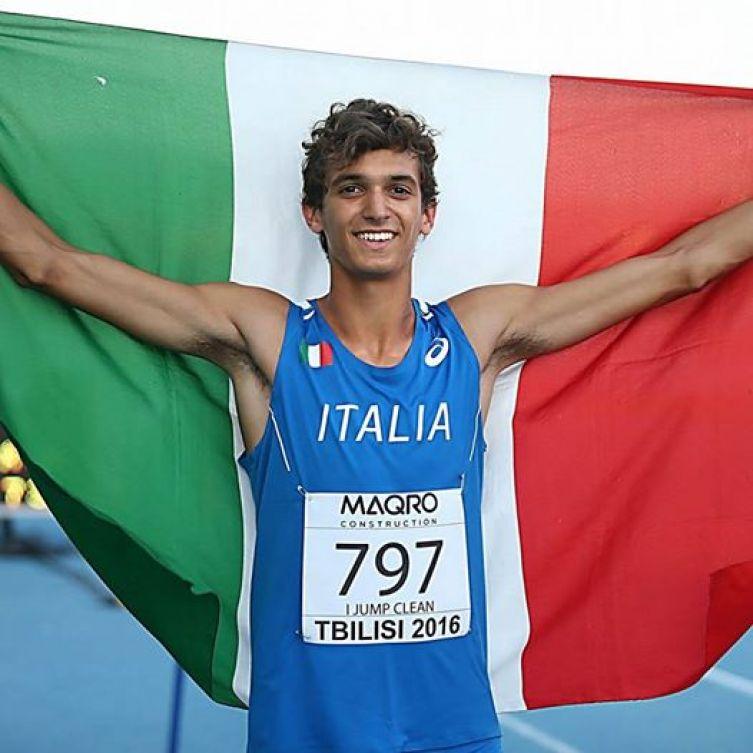 Andrea Dallavalle nel triplo atterra sul record italiano Junior
