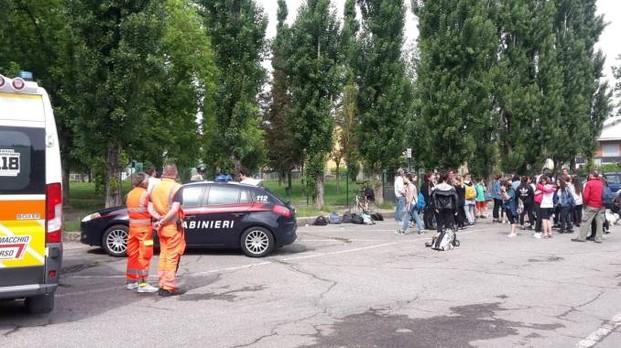 Ucraino manda 3 persone all' Ospedale perché infastidito  dalle voci dei ragazzi della pista di atletica