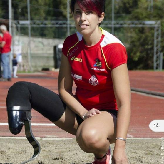 La  paralimpica Daniela Pierri testimonial della mattinata di sport integrato  con 200 fra studenti e disabili