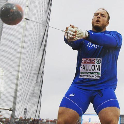 Simone Falloni vince il martello a La Spezia davanti a  Marco Lingua
