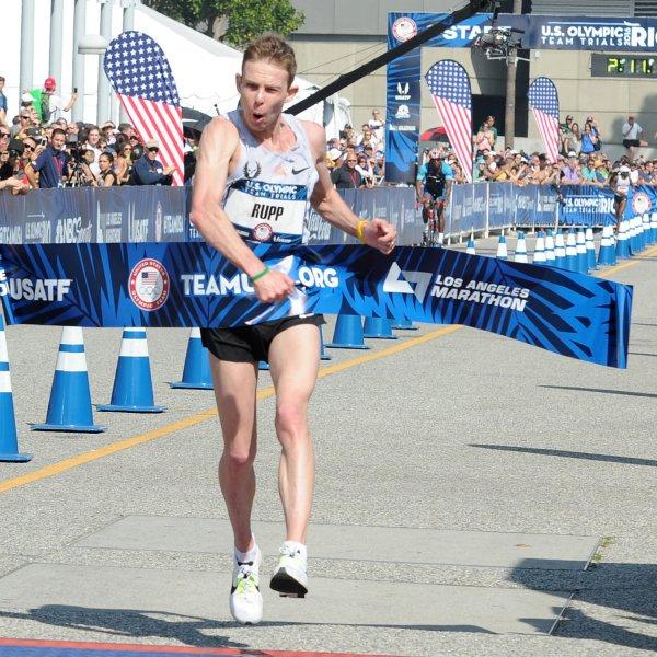 E' giusto che i top runner usino scarpe prototipo per i loro record?